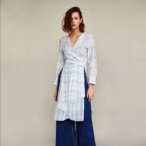 Checked tunic with tie belt